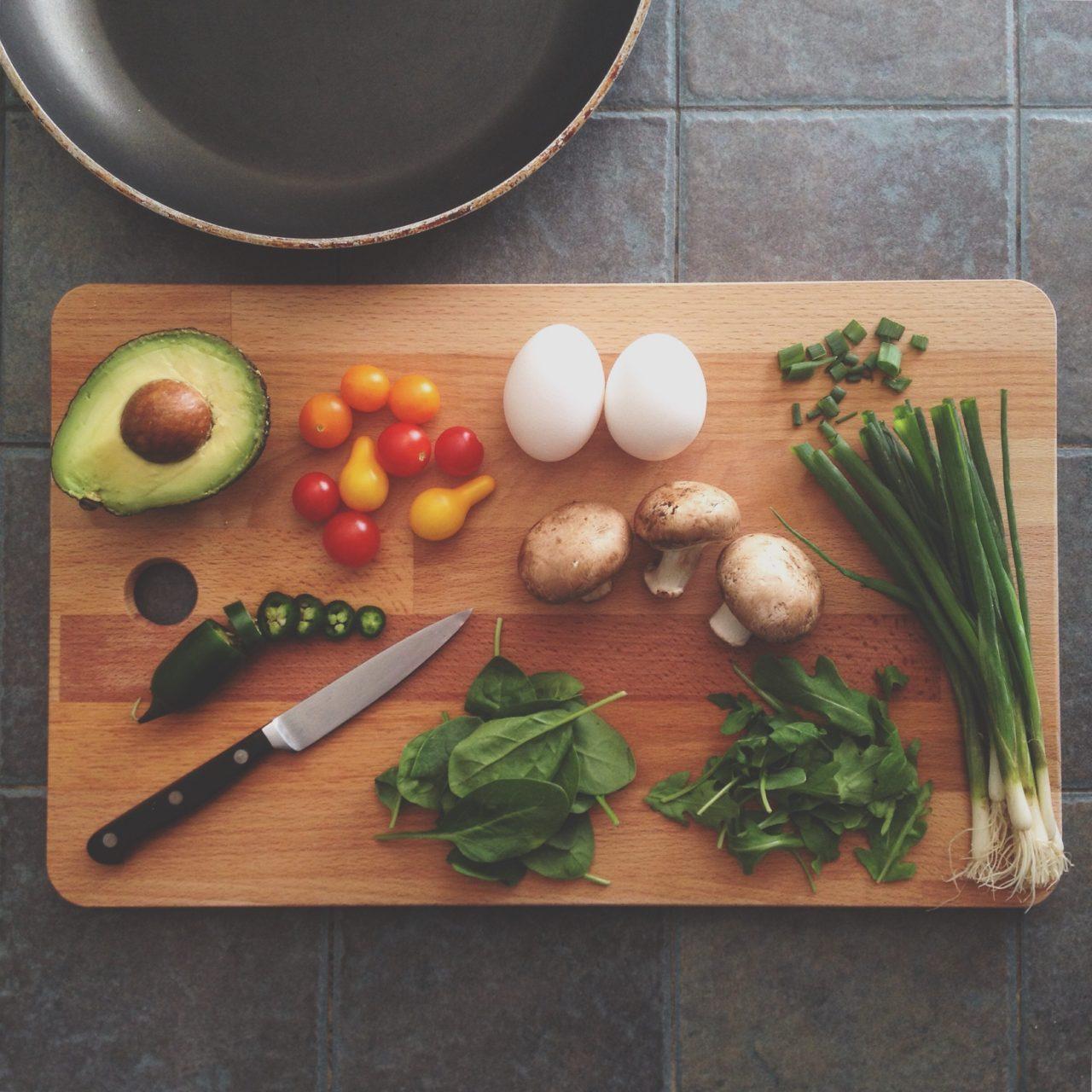 https://www.elevatehwc.com/wp-content/uploads/2018/09/food-on-a-cutting-board-1280x1280.jpg