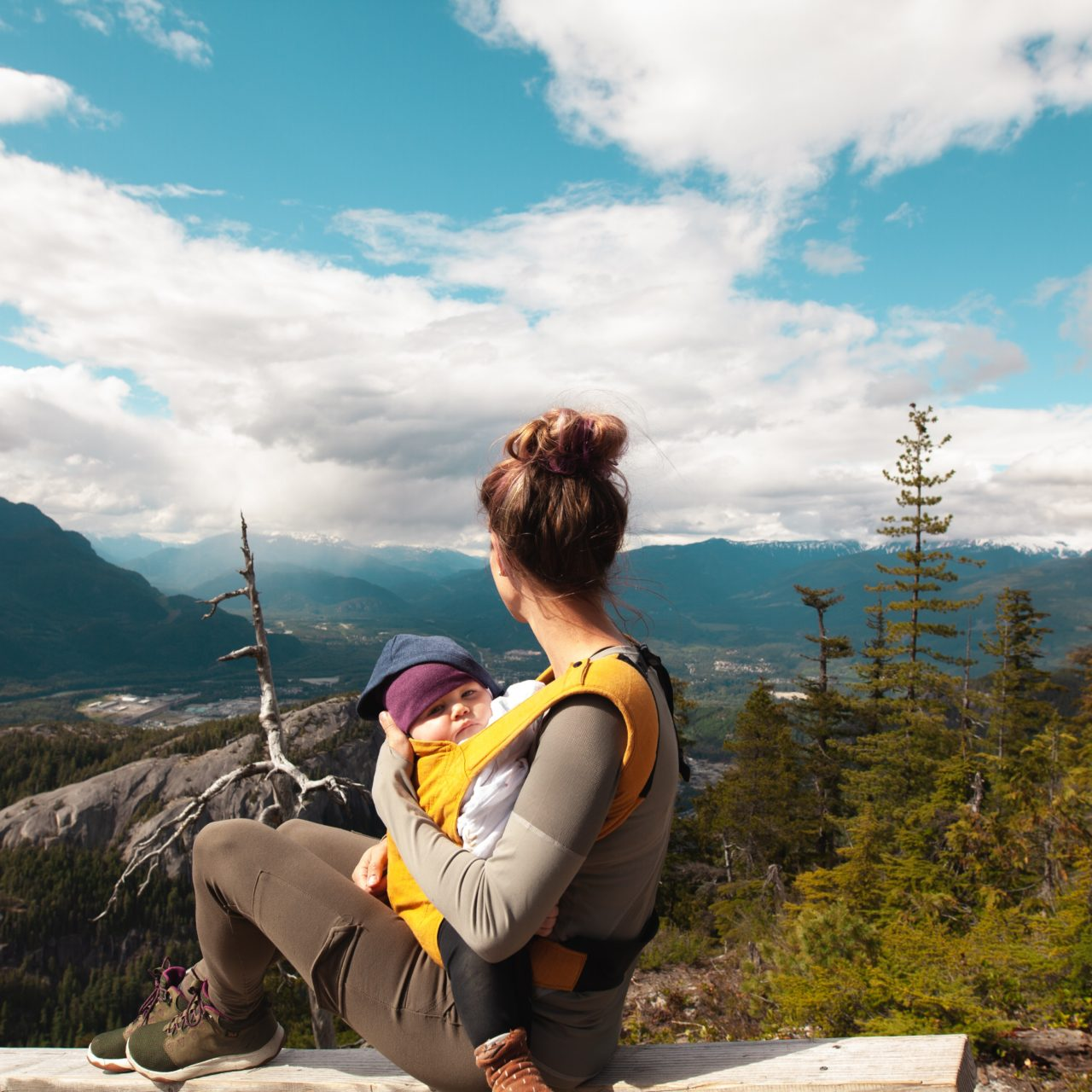 https://www.elevatehwc.com/wp-content/uploads/2019/04/mom-on-a-hike-with-baby-1280x1280.jpg